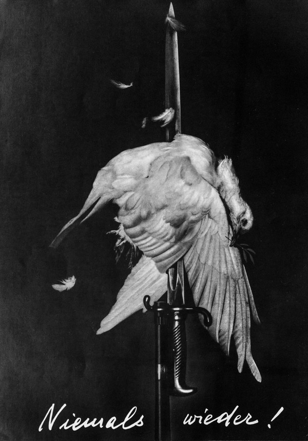 John Heartfield, Nigdy więcej! / Never again!, 1932