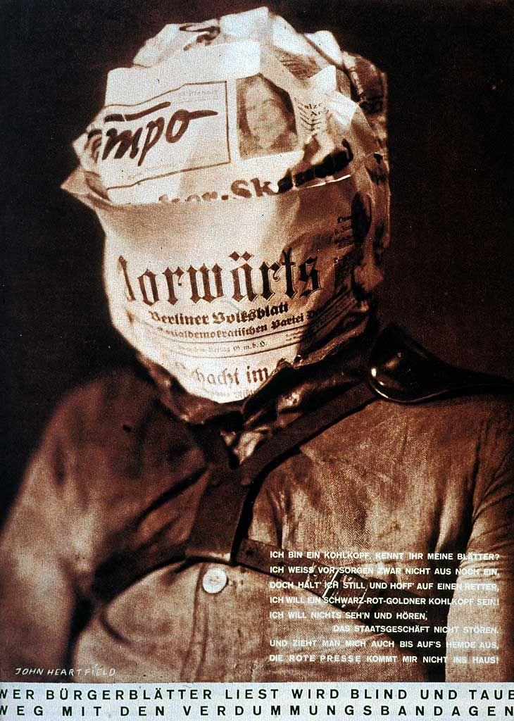 John Heartfield, Kto czyta prasę burżuazyjną, ten będzie ślepy i głuchy! / Whoever Reads Bourgeois Newspapers Becomes Blind and Deaf, 1930