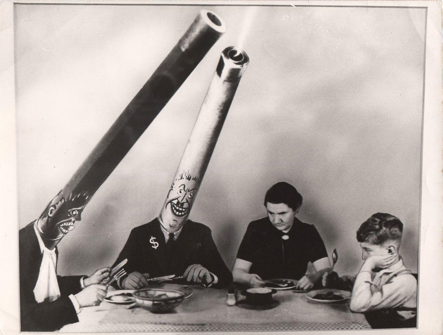 John Heartfield, Niebezpieczni stołownicy, 1939, dzięki uprzejmości Johna Heartfielda oraz The Heartfield Community of Heir