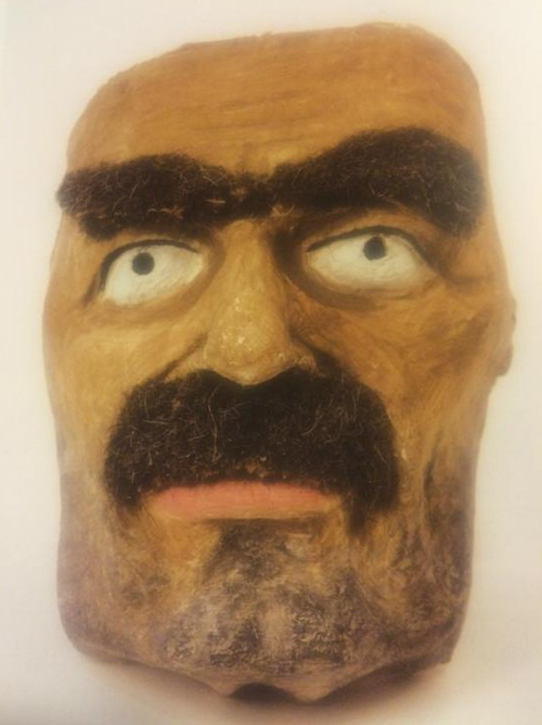 Maska Neville'a Chamberlaina z parady pierwszomajowej w 1938 roku / Mask of Neville Chamberlain used during the May Day parade in 1938